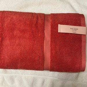 KATE SPADE 2 Bath  Towels. NEW